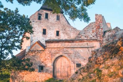 Hrady pro českého a římského krále. Točník a Žebrák jsou historické klenoty podbrdského kraje